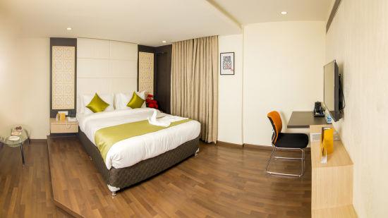 Onyx Suite Room 3