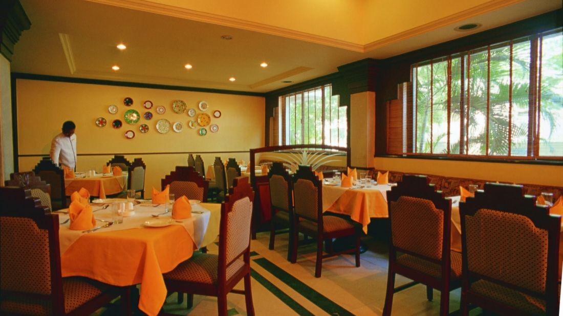 Restaurant Radha Regent Chennai 1