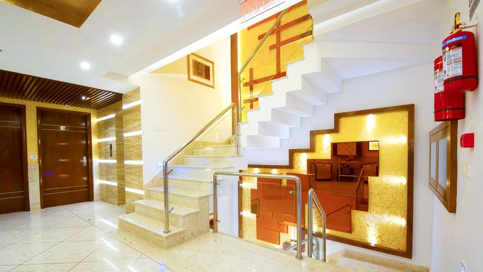 Hotel Swaran Palace, Karol Bagh, New Delhi New Delhi floor lobby 3 Hotel Swaran Palace Karol Bagh New Delhi