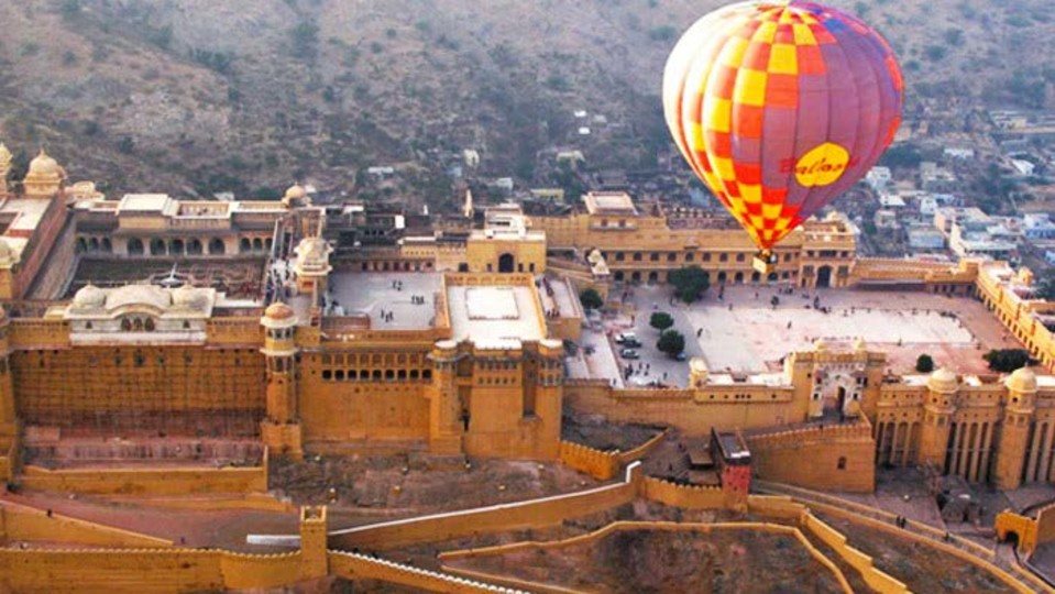 A WALK IN THE SKY ABOVE THE PINK CITY
