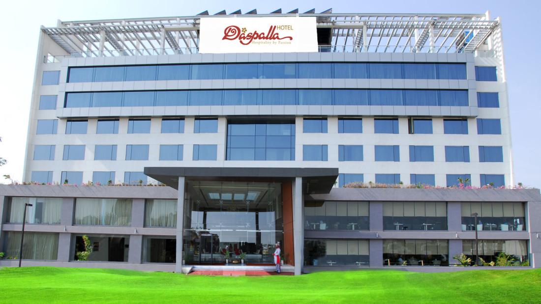 Facade of Hotel Daspalla Hyderabad cdd4i6