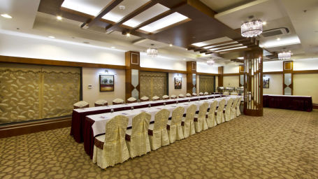 Gaur Banquet Hall in Patna at Hotel Gargee Grand 1 zde8ut