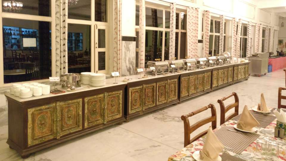 Umaid Lake Palace Dausa  DINING