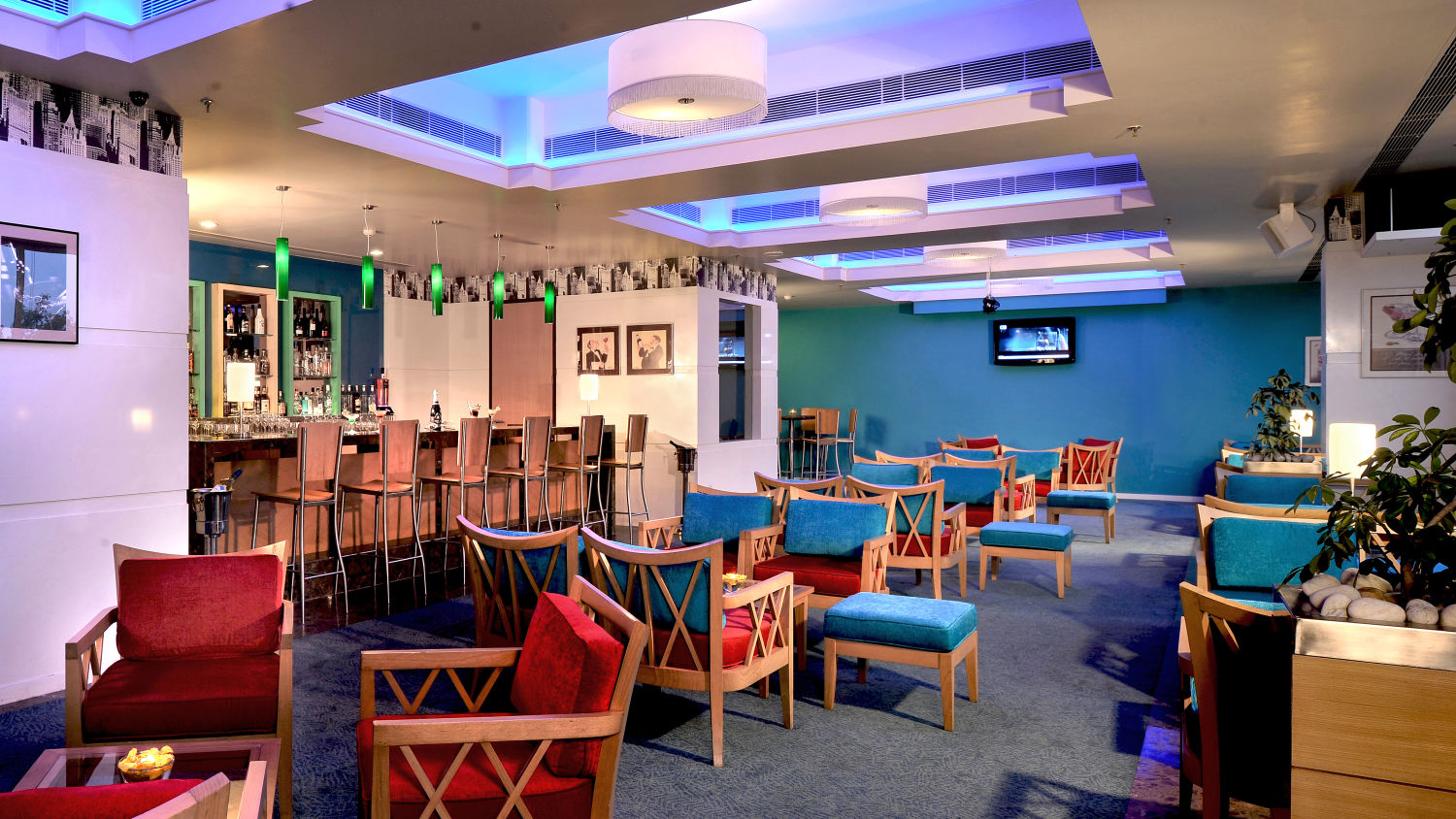 Chill - The lounge Bar in chandigarh at Hoemtel Chandigarh