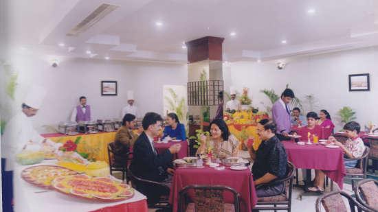 Navrattan Restaurant, Hotel Bliss, Vegetarian Restaurant In Tirupati