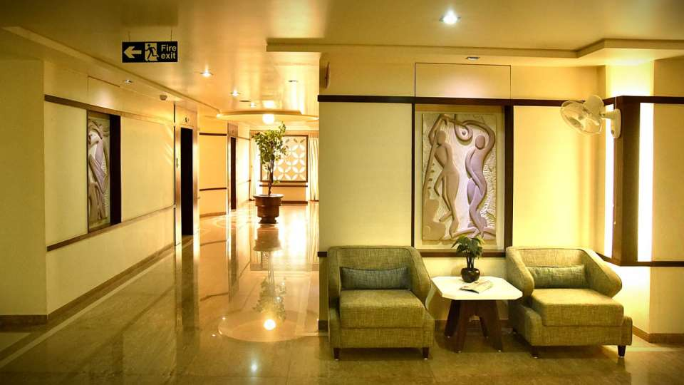 Lobby at Hotel Fortune Palace, Hotel in Jamnagar, 4-Star Hotel in Jamnagar 3