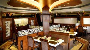 Saffron Restaurant, Hotel Fortune Palace, Restaurant in Jamnagar 5