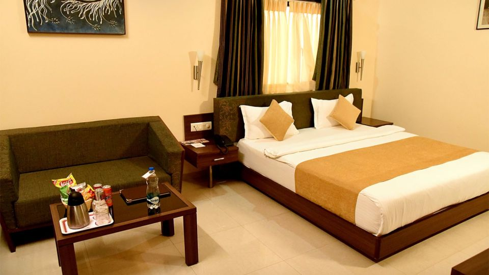 Rooms in Jamnagar, Club Rooms at Hotel Fortune Palace, Gujurat Hotels 3