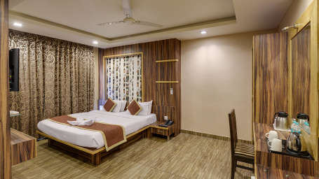 DELUXE Room at The Royal Melange Beacon Ajmer 2