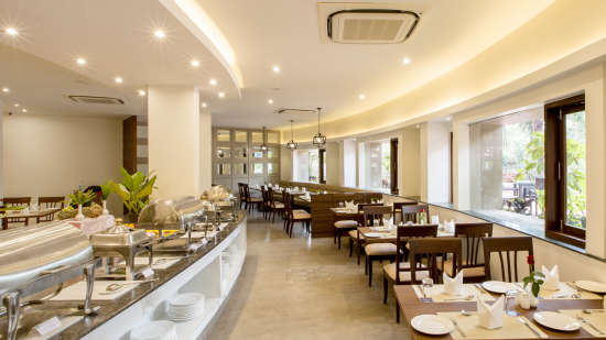 The Square Restaurant at Hotel Sarovar Portico Lonavala 4