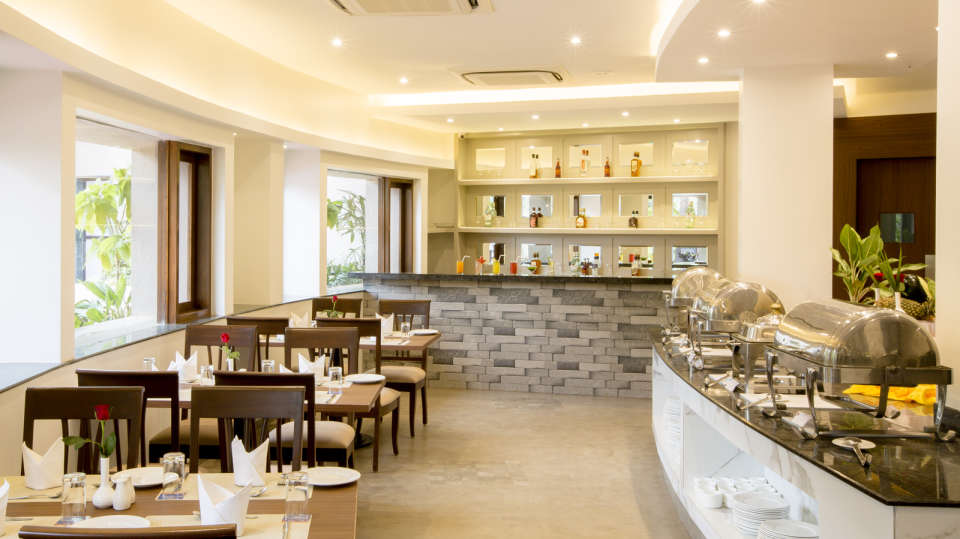 The Square Restaurant at Hotel Sarovar Portico Lonavala 2
