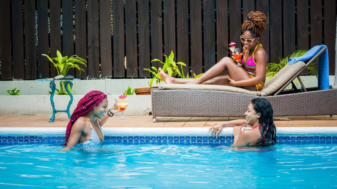 three girls in pool1 - Copy