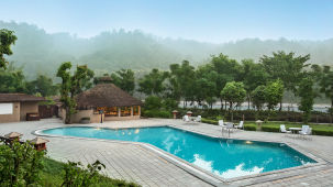 The Riverview Retreat, Corbett Corbett Swimming Pool