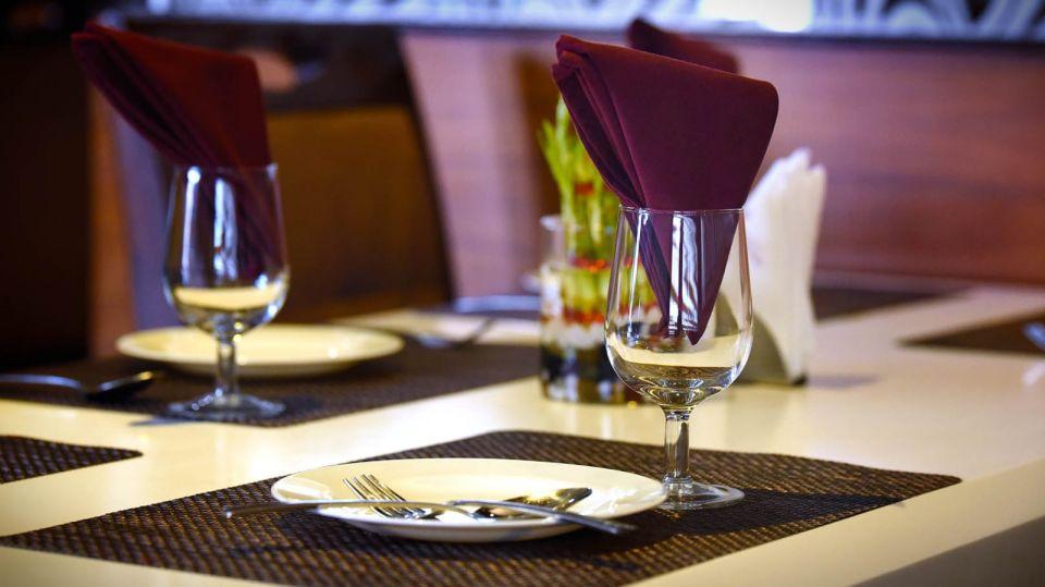 Saffron Restaurant, Hotel Fortune Palace, Restaurant in Jamnagar 1
