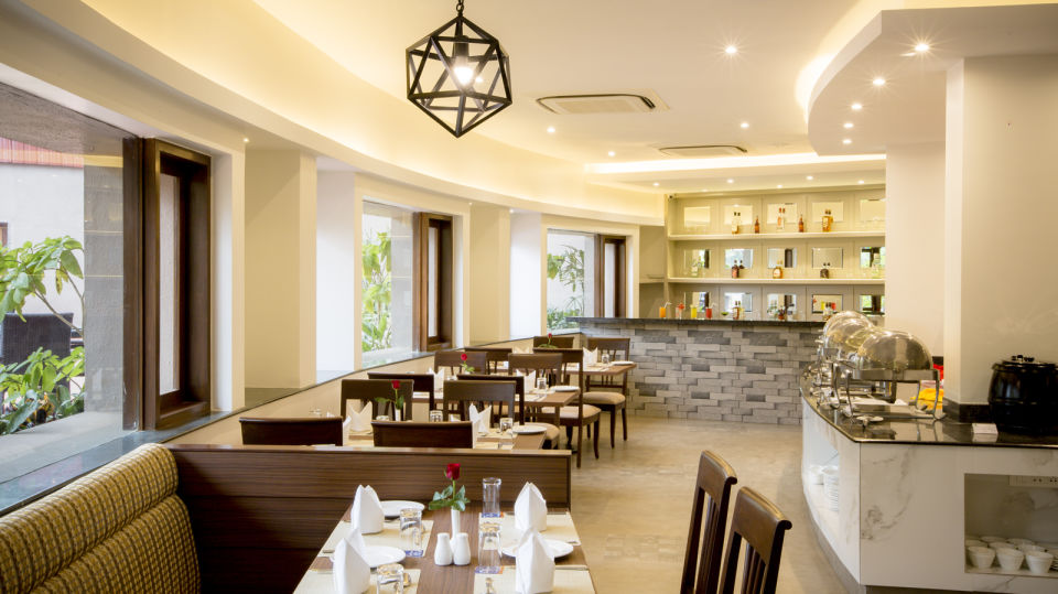 The Square Restaurant at Hotel Sarovar Portico Lonavala 1