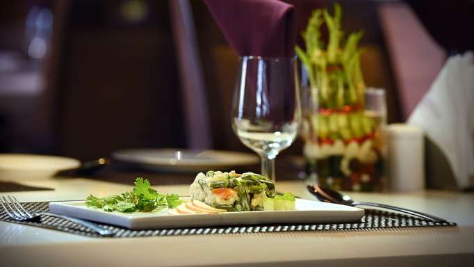 Saffron Restaurant, Hotel Fortune Palace, Restaurant in Jamnagar 2