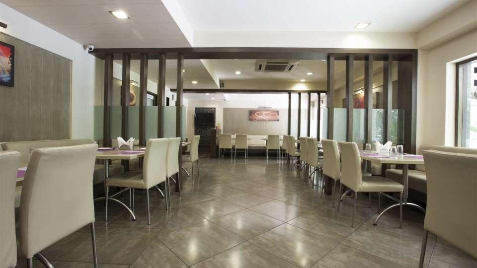 VITS Shalimar Hotel, Ankleshwar Ankleshwar Gallery Restaurant VITS Shalimar Hotel Ankleshwar 1