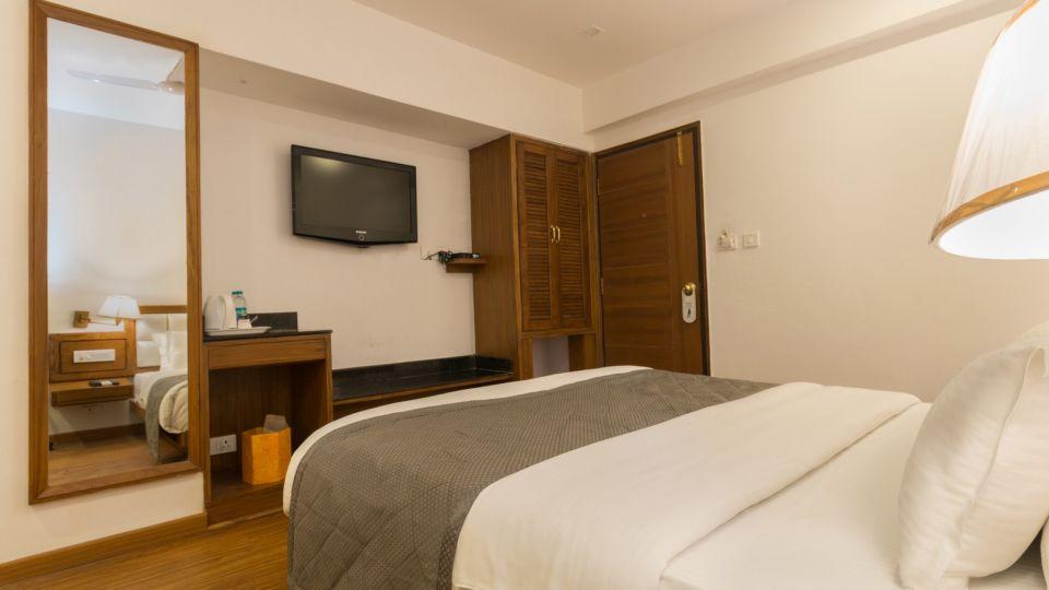 Hotel Rooms In Mussoorie ,  Best Hotel in Mussoorie, Hotels near Mossy Falls