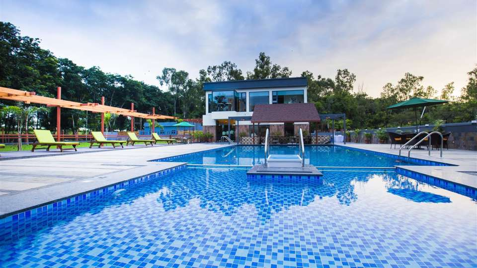 VITS Shalimar Hotel, Ankleshwar Ankleshwar Pool VITS Shalimar Hotel Ankleshwar