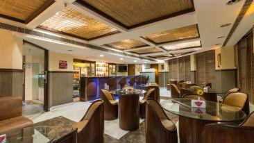 Pirates bar, Hotel Pacific Dehradun, best bars in Dehradun, Dehradun nightlife