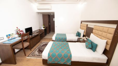 Executive Room Twin Bed 2