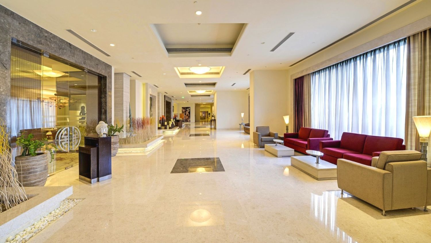 Lobby at Radisson Blu - Bengaluru Outer Ring Road 5