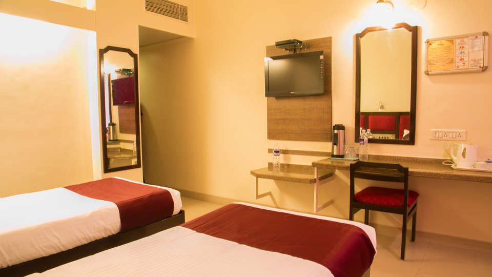 Hotel Ashish Plaza  Pune Suite Rooms at Hotel Ashish Plaza FC Road Pune