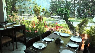 Restaurant of Alps Resort Dalhousie