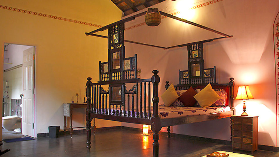 The Violet Room Arco Iris - 19th C Curtorim Goa,  Homestay In Goa