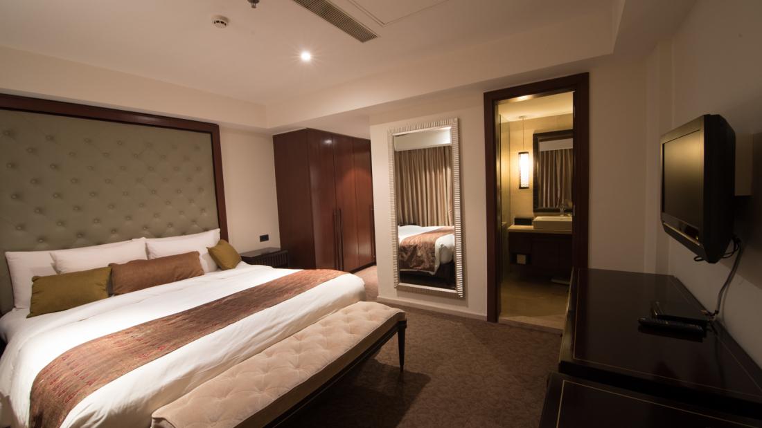Hotel Z Luxury Residences, Juhu, Mumbai  Mumbai Two Bedroom Hotel Z Luxury Residences Juhu Mumbai 4