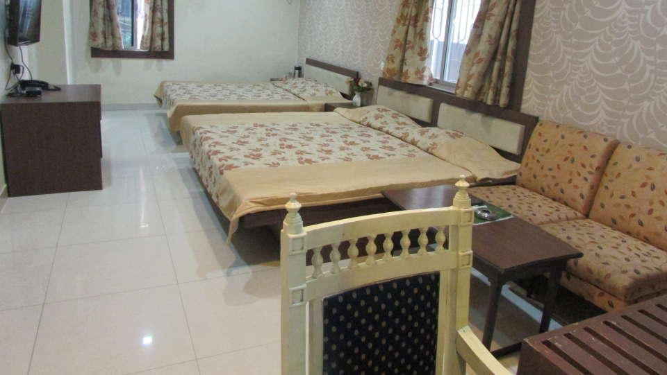 Hotel Swagath, Hazra Road, Kolkata Kolkata Deluxe AC 4 Bed Room Hotel Swagath Kolkata 1