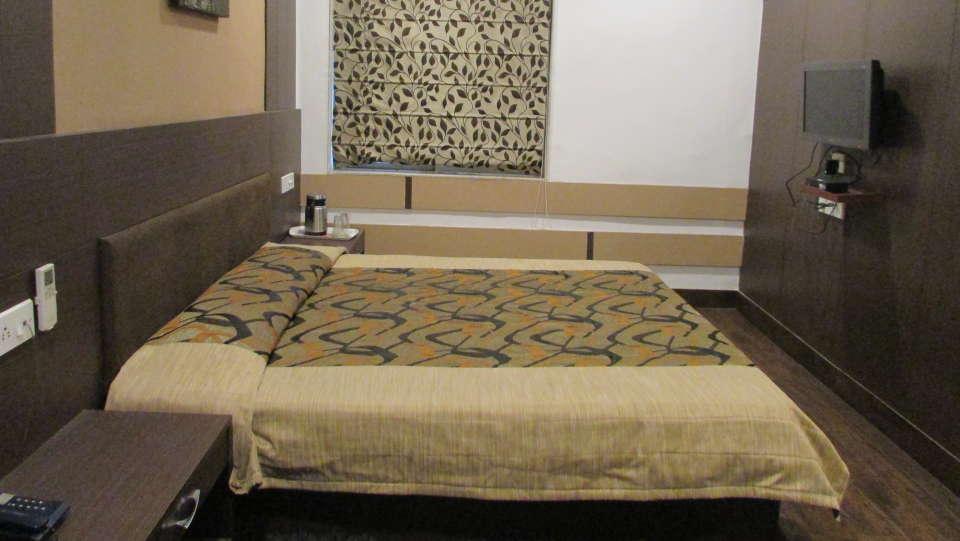 Hotel Swagath, Hazra Road, Kolkata Kolkata Executive AC Room Hotel Swagath Kolkata 3