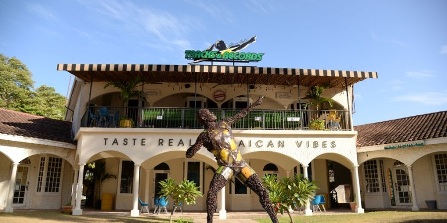 alt-text UBT R MOBAY BY LOOP JAMAICA