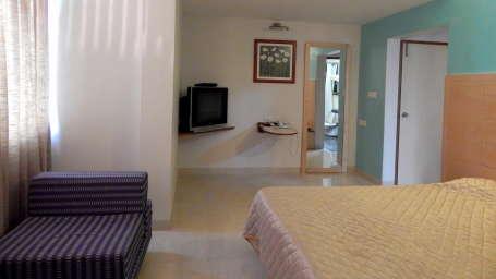 Hotel Raviraj, Pune Pune Jr-Suite 303 view