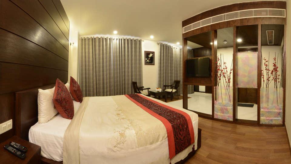 Hotel Atulyaa Taj, Agra Agra Super Deluxe Room Hotel Atulyaa Taj Agra 5