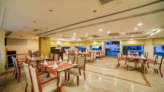 The Oriental Restaurant at Hotel Royal Sarovar Portico Siliguri, Hotels in Silguri