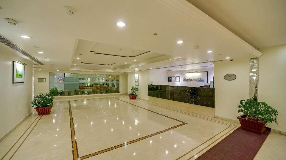 Lobby Royal Sarovar Portico Siliguri 3