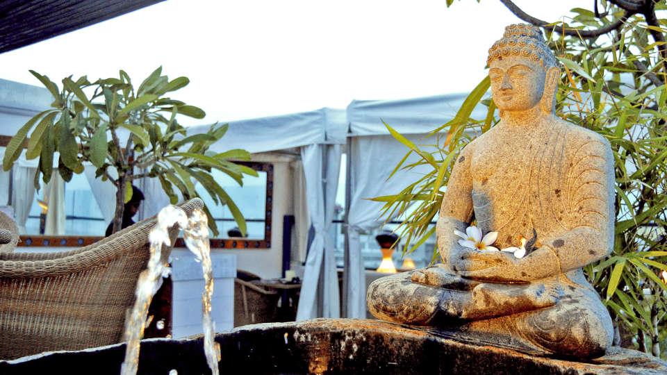 Buddha in granite - Copy