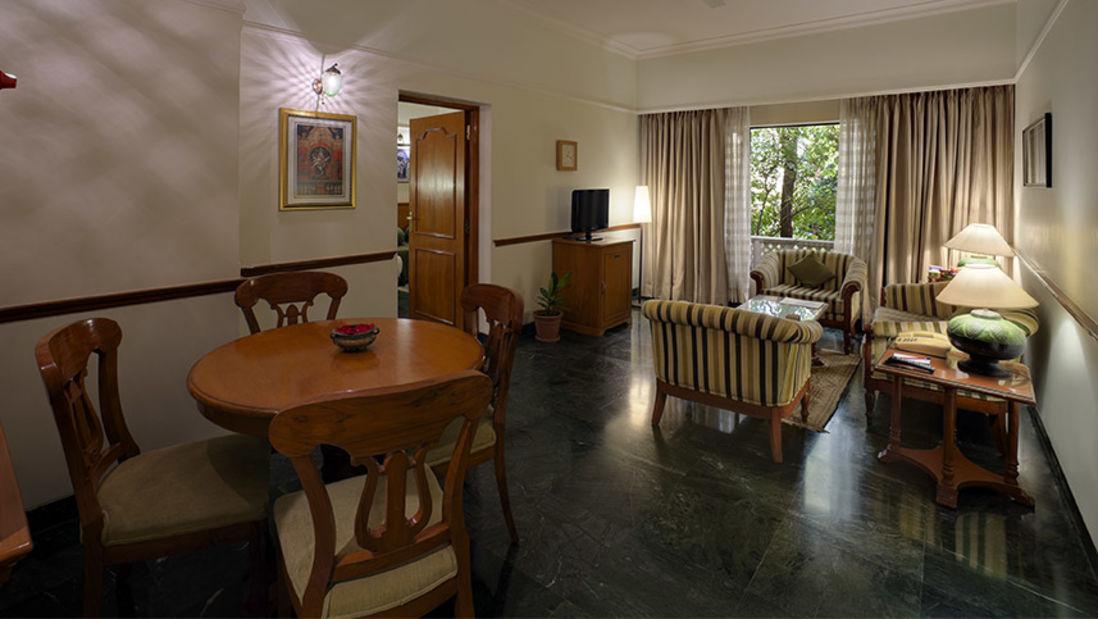 Pelican Suite-Livingroom