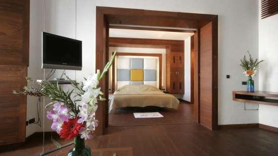 Deluxe Room at The Promenade Hotel Pondicherry