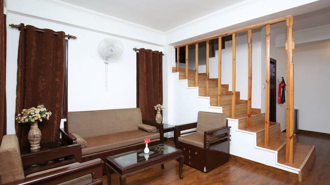 villa sitting area