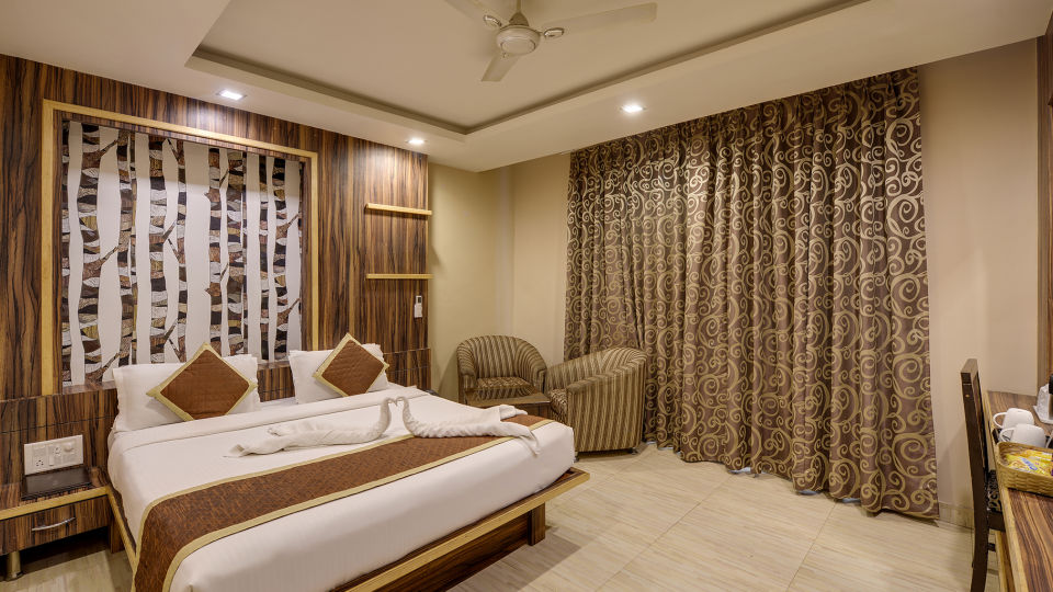 DELUXE Room at The Royal Melange Beacon Ajmer 1
