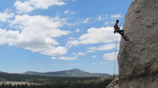 Rappelling-Rappel-Abseiling-Adventure-Rock-Climbing-403484