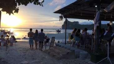 The Beacha Club Hotel, Krabi, Phi Phi Islands Krabi The Beacha Bistro Food and Drink Service The Beacha Club Hotel Krabi Phi Phi Islands