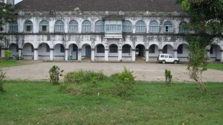 Kadkani Riverside Resort, Coorg Coorg Madikkeri fort front