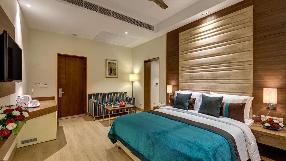 Rooms in Kolkata The Astor Kolkata Stay Near Park Street 12