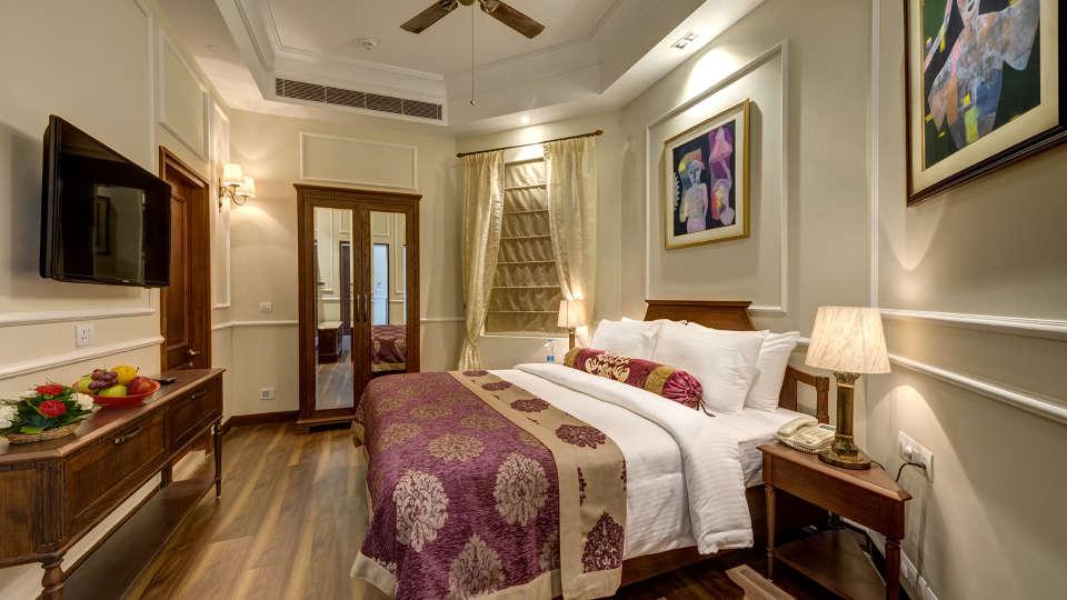 Suites In Kolkata  The Astor, Kolkata  Rooms In Park Street 692