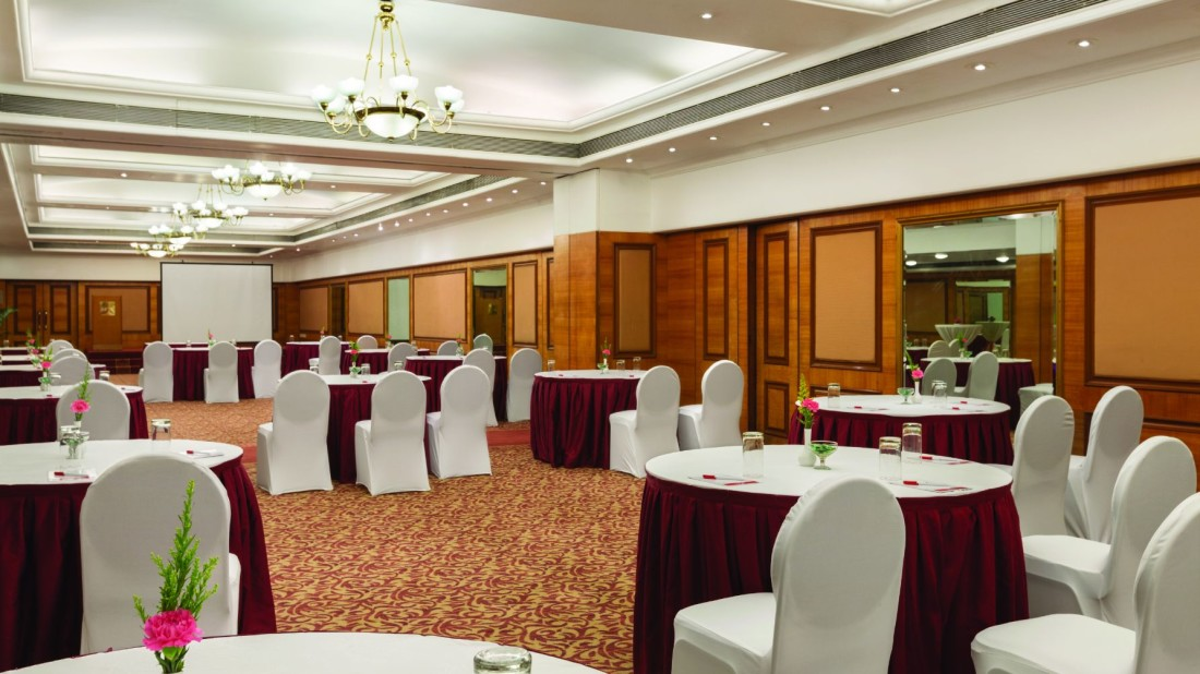 Concord Banquet Hall at Hotel Ramada Plaza Palm Grove Juhu Beach Mumbai, 5 Star Banquets in Juhu Mumbai