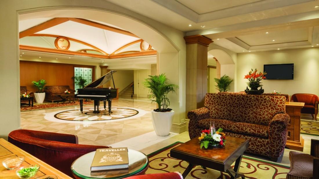 Lobby of Hotel Ranada Plaza Palm Grove Juhu Mumbai, Best Mumbai Juhu Hotels
