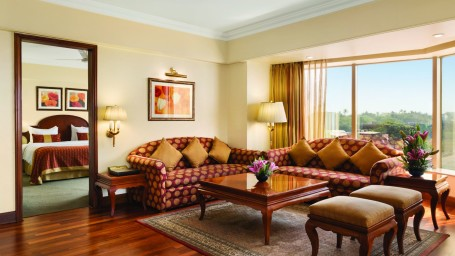 Deluxe Suite at Hotel Ramada Plaza Palm Grove Juhu Beach Mumbai, 5 star hotel rooms near Mumbai Airport